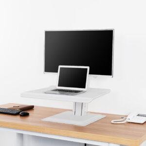 עמדת עבודה שולחנית למחשב נייד